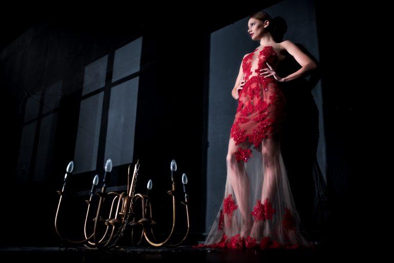anna jonas egyedi tervezésű alkalmi ruhák fotózás a dunakanyar színházban 3