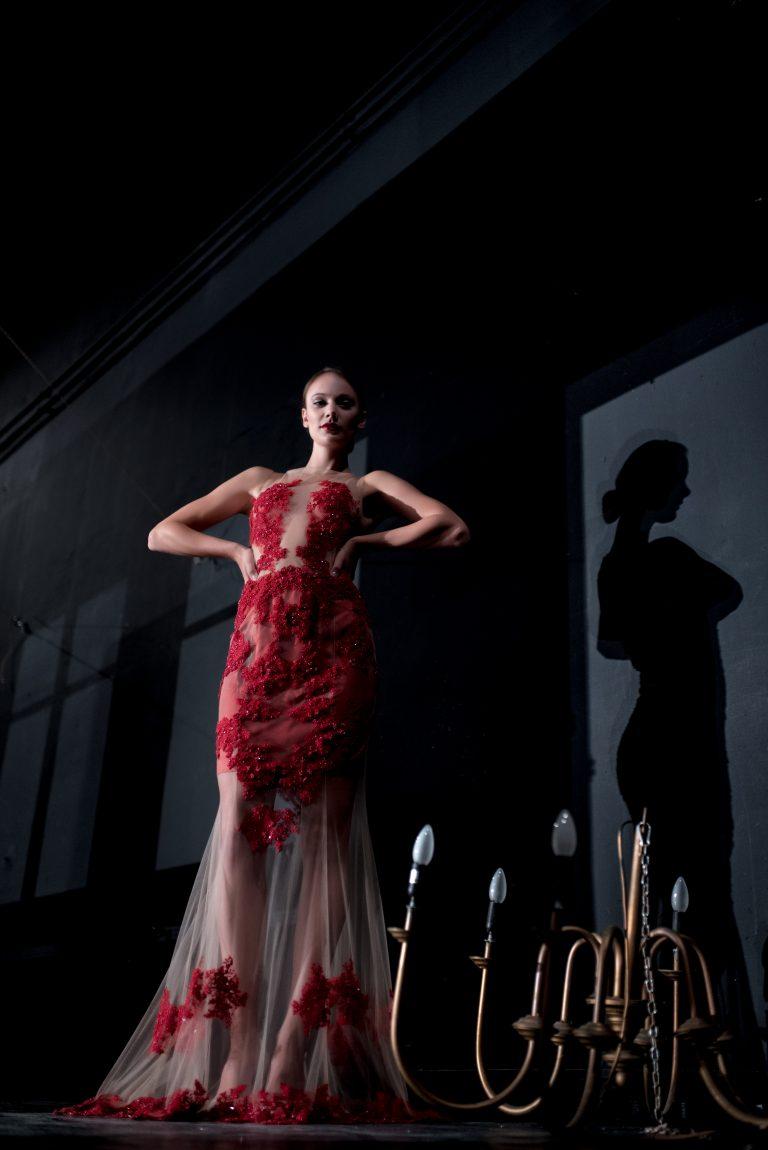 anna jonas egyedi tervezésű alkalmi ruhák fotózás a dunakanyar színházban 4