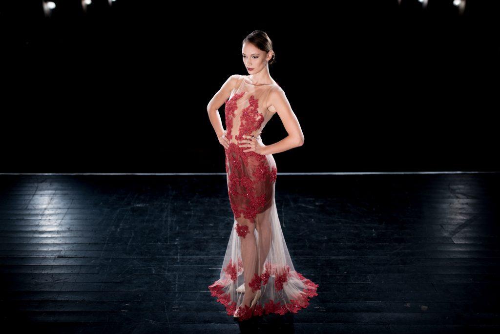 anna jonas egyedi tervezésű alkalmi ruhák fotózás a dunakanyar színházban 5
