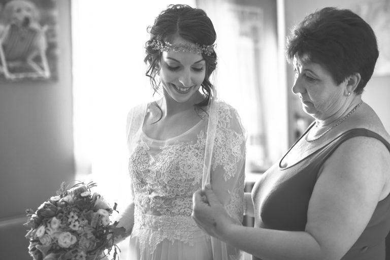 anna jonas egyedi tervezésű esküvői ruha barbi bence 1