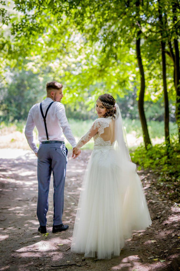 anna jonas egyedi tervezésű esküvői ruha barbi bence 3
