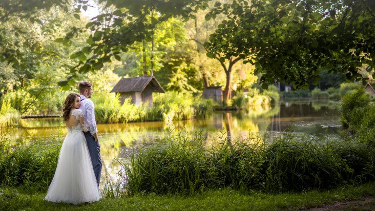 anna jonas egyedi tervezésű esküvői ruha barbi bence 4