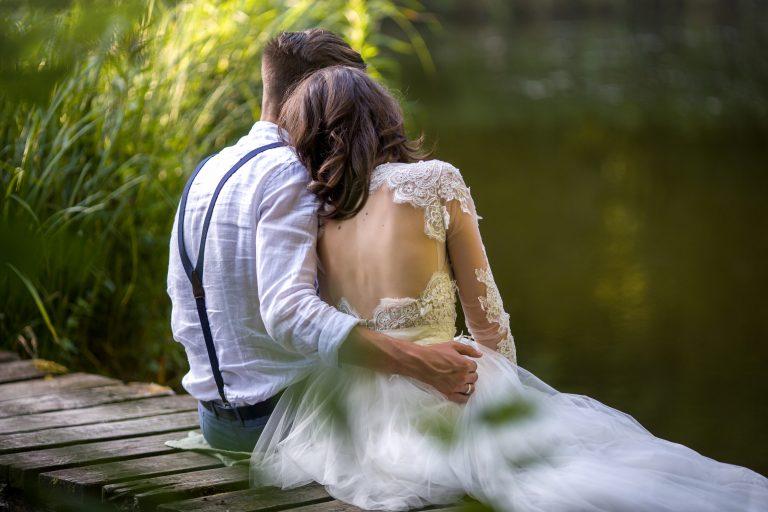 anna jonas egyedi tervezésű esküvői ruha barbi bence 5