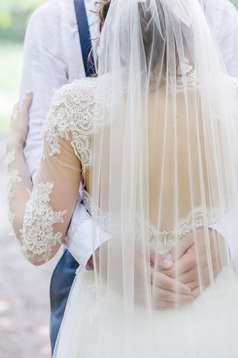 anna jonas egyedi tervezésű esküvői ruha barbi bence 6