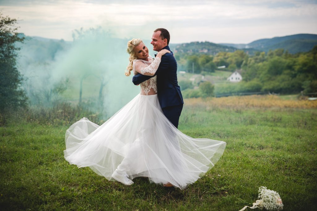 anna jonas egyedi tervezésű esküvői ruha bereniké bence 2