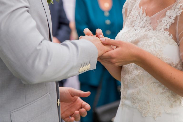 anna jonas egyedi tervezésű esküvői ruha dóri gábor 5