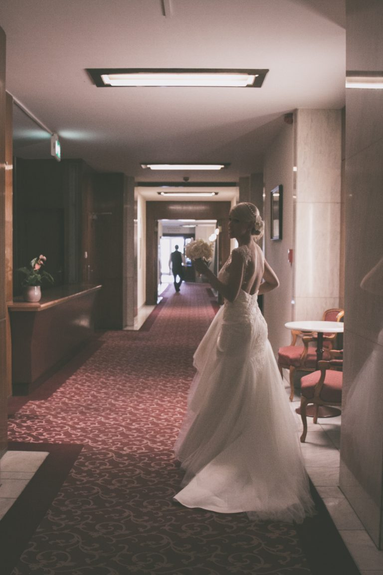 anna jonas egyedi tervezésű esküvői ruha gabi gábor 4