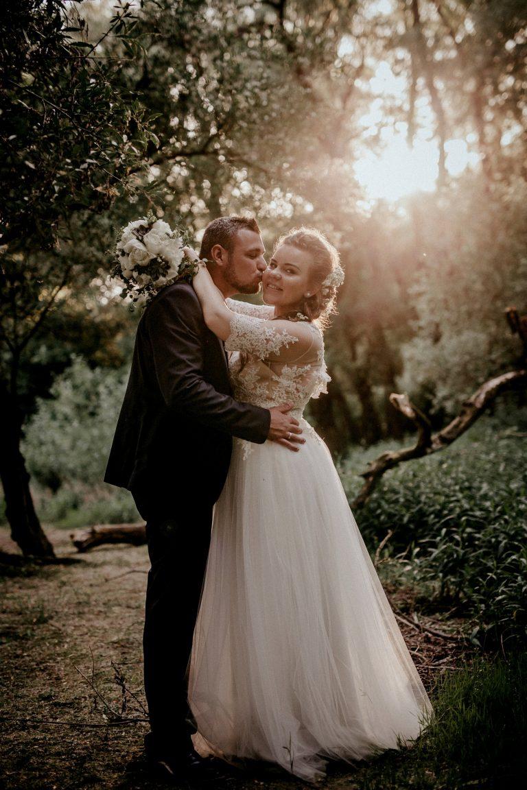 anna jonas egyedi tervezésű esküvői ruha kitti laci 5