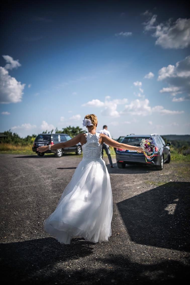 anna jonas egyedi tervezésű esküvői ruha móni geresz 4