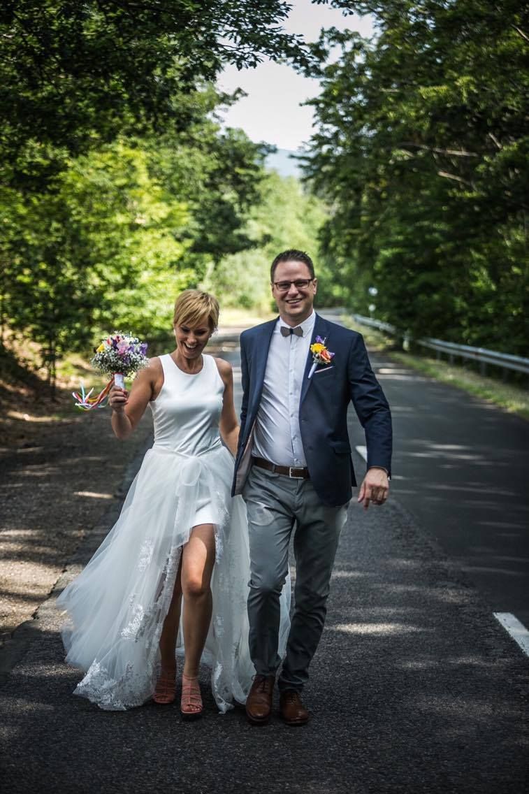 anna jonas egyedi tervezésű esküvői ruha móni geresz 6