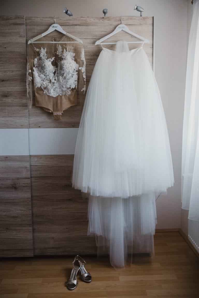 anna jonas egyedi tervezésű esküvői ruha niki dani 1