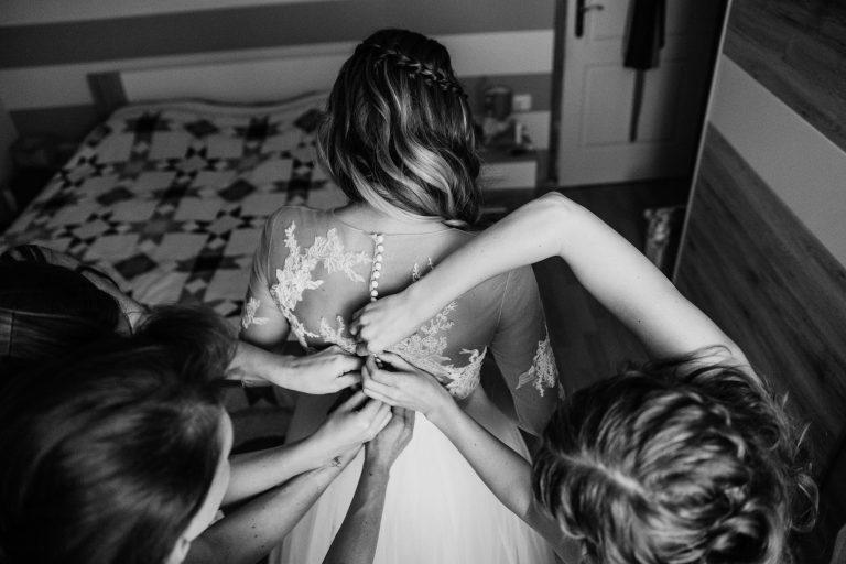 anna jonas egyedi tervezésű esküvői ruha niki dani 4
