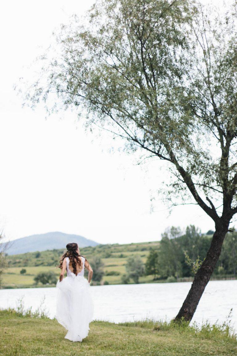 anna jonas egyedi tervezésű esküvői ruha zita andrás 2