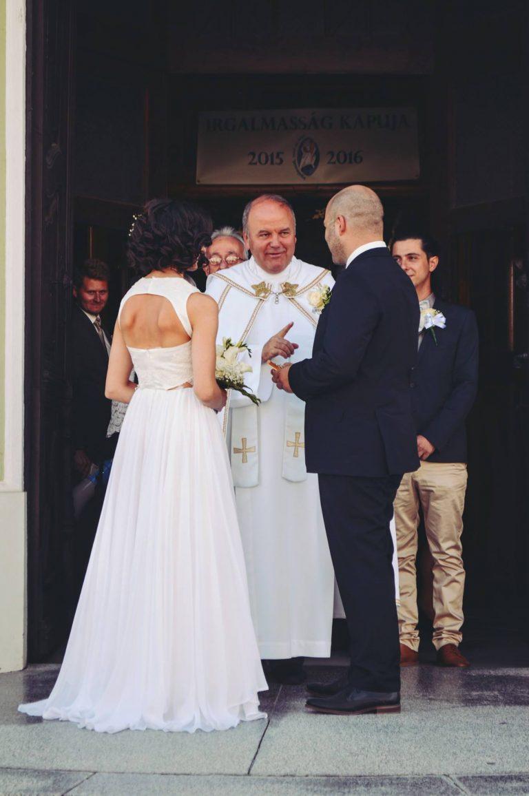 anna jonas egyedi tervezésű esküvői ruha zuzsi nikos 1