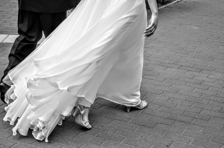 anna jonas egyedi tervezésű esküvői ruha zuzsi nikos 5