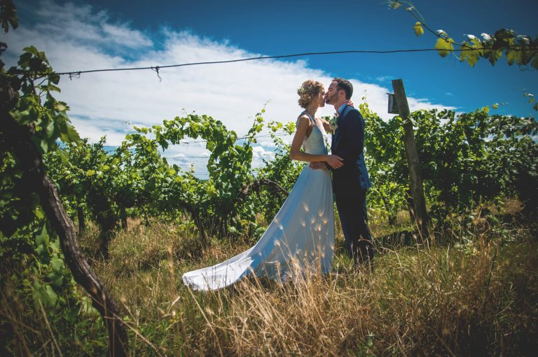 annajonas egyedi tervezesű esküvői ruha zsófi ádám 1